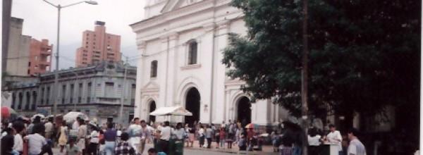 Travel Report 2/1: Anflug auf Medellin